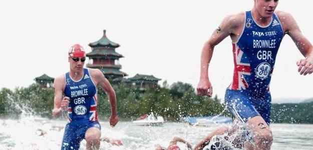 Los Brownlee en el triatlón de Pekín. Foto:laninformacion.com/Getty Images