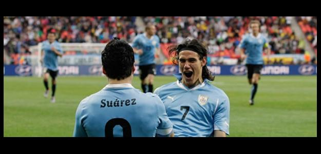Cavani y Luis Suárez con Uruguay